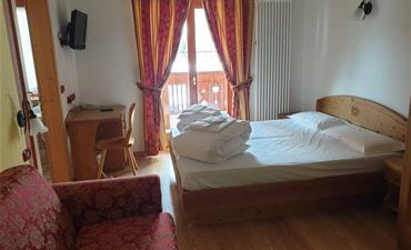 Hotel DAL BRACCONIERE_dvoulůžkový pokoj s 1 přistýlkou