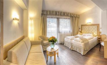 Hotel LEITNER _dvoulůžkový pokoj s 2 přistýlkami SUPERIOR