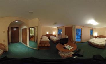 Hotel STELLA MONTIS_dvoulůžkový pokoj s 2 přistýlkami FAMILY