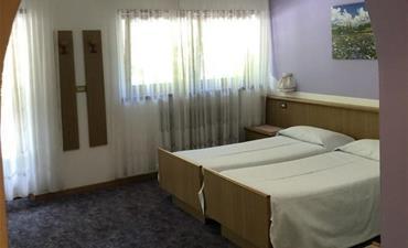 Hotel VILLA JOLANDA_dvoulůžkový pokoj s 1 přistýlkou