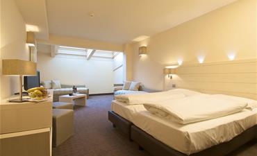 Hotel LE BLANC_dvoulůžkový pokoj s 2 přistýlkami