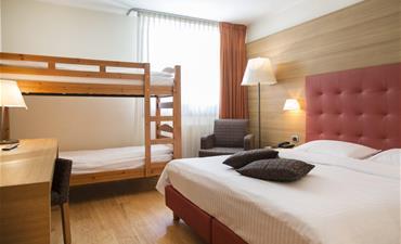 BLU HOTEL ACQUASERIA_dvoulůžkový pokoj s 2 přistýlkami