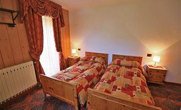 Chata DOLOMIA_dvoulůžkový pokoj