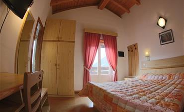 Hotel LIZ_dvoulůžkový pokoj s 1 přistýlkou