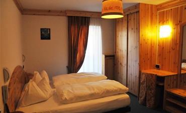 Hotel CIAMOL_dvoulůžkový pokoj