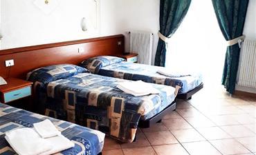 Hotel SPLENDID_dvoulůžkový pokoj s 1 přistýlkou
