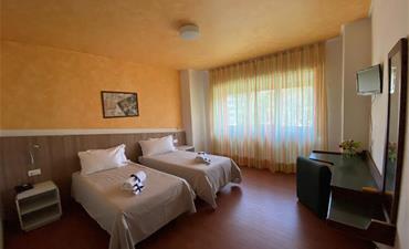 Hotel BOZZI_dvoulůžkový pokoj
