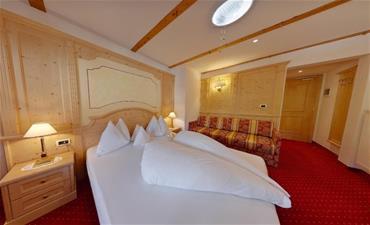 Parkhotel HOLZERHOF_dvoulůžkový pokoj Alpi s jednou přístýlkou
