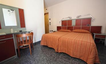 Hotel DERBY_dvoulůžkový pokoj