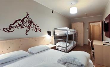 Hotel Principe Marmolada_dvoulůžkový pokoj s 2 přistýlkami