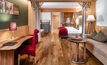 Alpin Hotel Masl_dvoulůžkový pokoj s 2 přistýlkami SUITE GARDEN