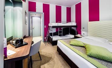 Hotel CLUB CRISTALLO_dvoulůžkový pokoj s 2 přistýlkami