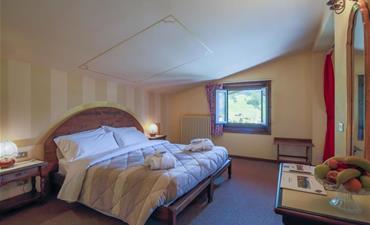 FREE SKI Hotel PARÉ_dvoulůžkový pokoj s 2 přistýlkami