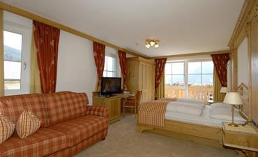 Hotel SCHERLIN_dvoulůžkový pokoj s 2 přistýlkami SUPERIOR westside
