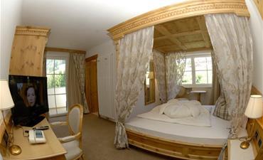 Hotel SCHERLIN_dvoulůžkový pokoj SUPERIOR westside