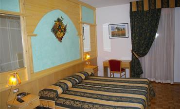Hotel DAL BON_dvoulůžkový pokoj s 1 přistýlkou