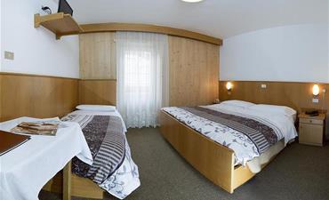 Hotel AIDA_dvoulůžkový pokoj s 2 přistýlkami