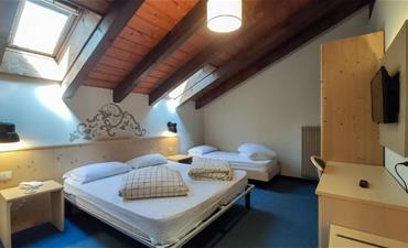 Hotel Principe Marmolada_dvoulůžkový pokoj s 1 přistýlkou