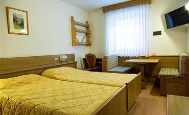 Hotel LA MONTANARA_dvoulůžkový pokoj s 1 přistýlkou