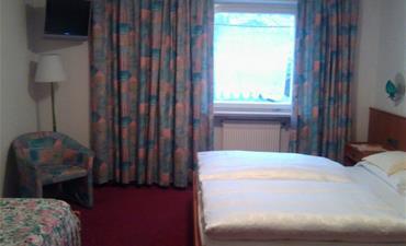 Hotel RODES_jednolůžkový pokoj single