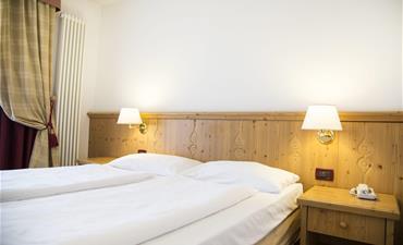 Hotel GOLF_dvoulůžkový pokoj